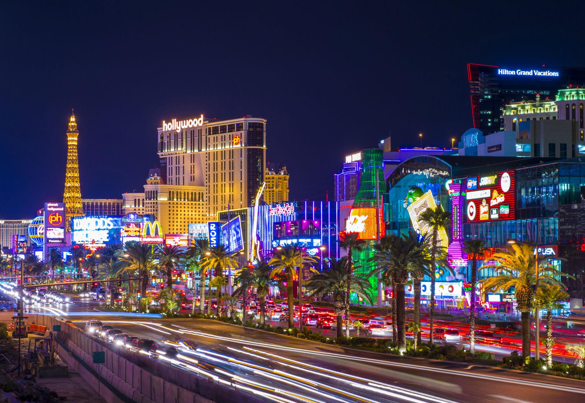 Find Cheap Car Rental Deals In Las Vegas Nv Carrentals Com